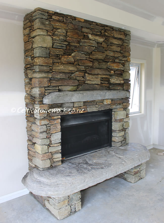 Alexandra schist with West coast alpine Mantel and Harth, Location Grasslands Cambridge