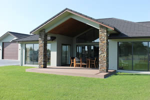 Ngahinapouri stone work job - Stone columns using Hyde Brown Schist